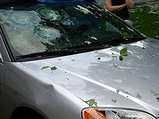 ремонт на автомобили пострадали от градушка